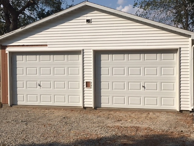 10u0027 X 7u0027 Garage Doors And 1 Craftsman 1/2HP Opener In Dawson, Sangamon  County, Illinois   Sangamon County Buy, Sell, Trade